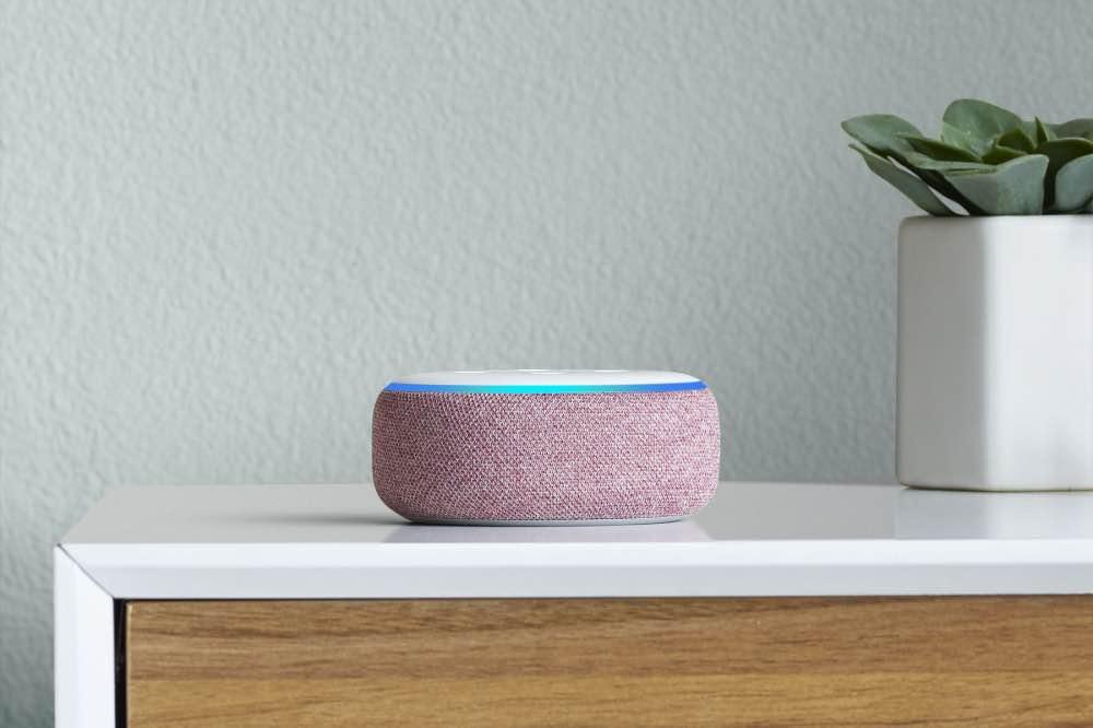 Geschenk für den Freund: Amazons Echo Dot Alexa